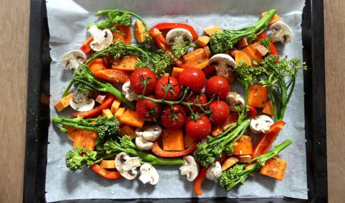 Veggie tray bake